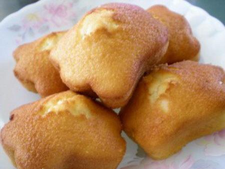 กูบาฮุลู (ขนมไข่) บรูไน