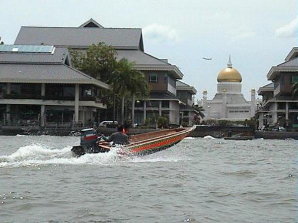 เมืองกัมปงอเยอร์ Kampong Ayer บรูไน