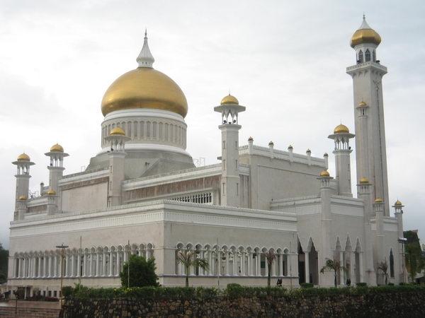 สุลต่านโอมาอลี Sultan Omar Ali Saifuddien Mosque บรูไน