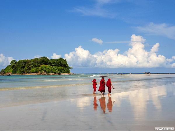 หาดงเวซวง NGWE SAUNG พม่า