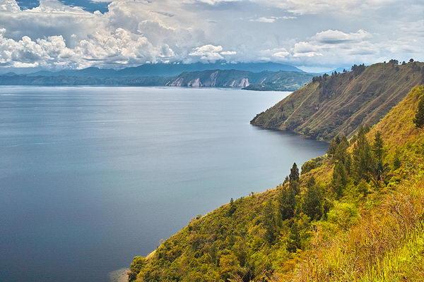 ทะเลสาบโตบา Lake Toba อินโดนีเซีย